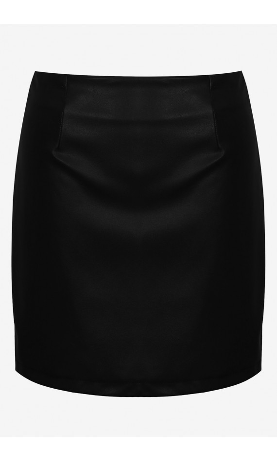 Black skirt in imitation leather