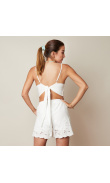 Short blanc avec broderie anglaise