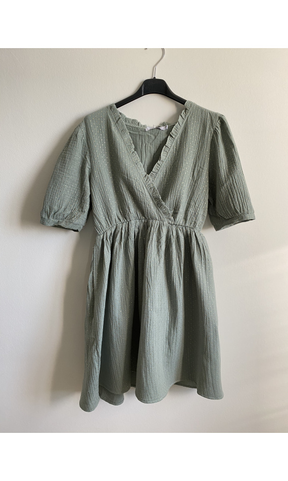 Green wrap dress with short sleeves