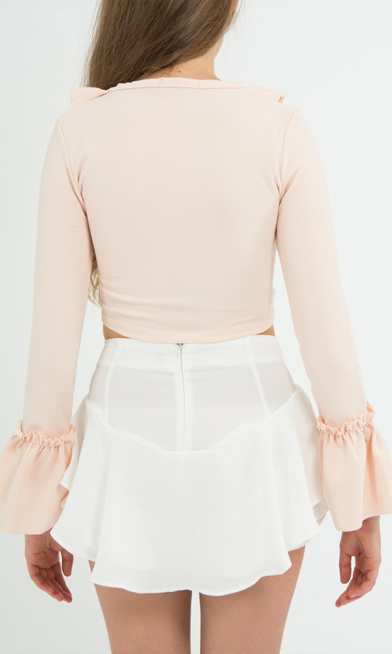 Crop pip nude with laces crossed