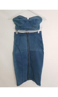 Crop top en jean et sa jupe en jean